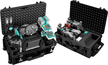 The MEAX MT30 comes in two robust trolley cases for convenient transport.